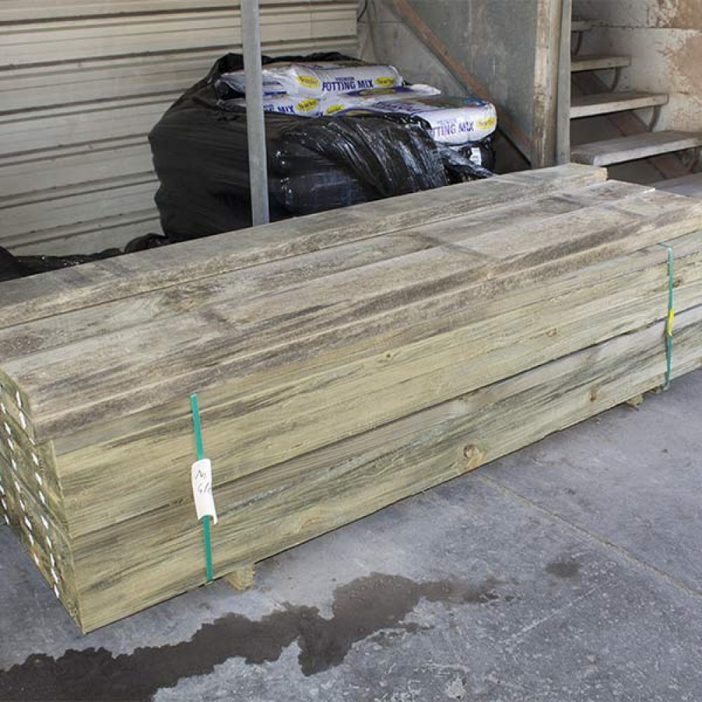 bulk-buy-pine-sleepers-200-x-50-x-2.4